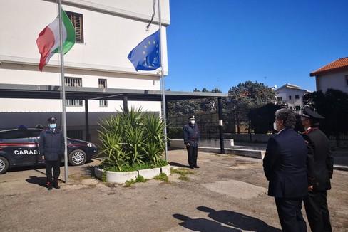 Il cordoglio del sindaco alla caserma dei Carabinieri