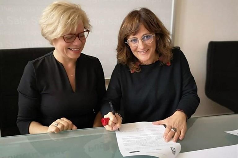 Loredana Capone e Monica Filograno alla sottoscrizione del Progetto