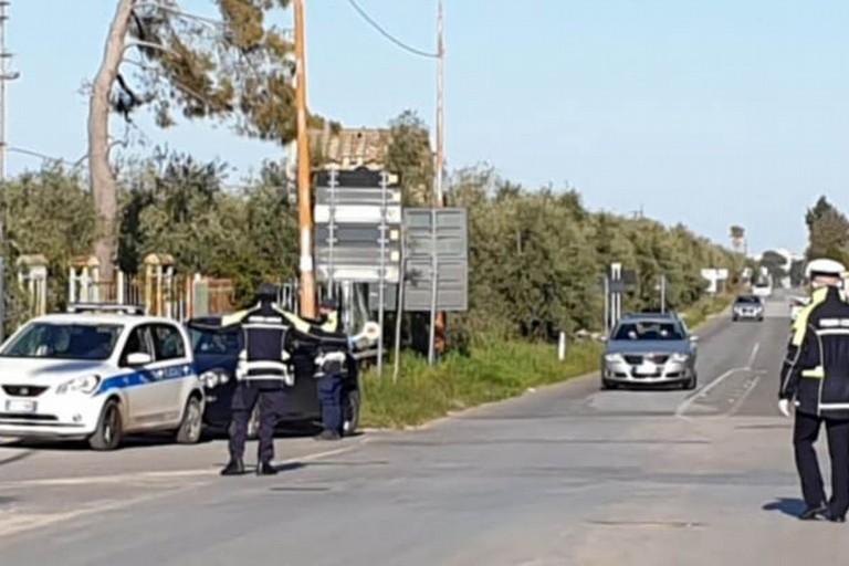 Il posto di blocco della Polizia Locale