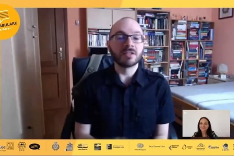 Incontro di Confabulare con Luca Azzolini
