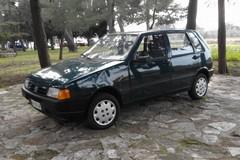 La Fiat Uno di don Tonino Bello nel giardino della C.A.S.A.
