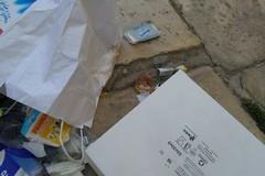 Atti di pura inciviltà in largo San Giovanni: «È una vergogna»