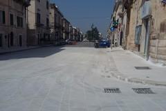 Auto contro i blocchi di cemento di Piazza Matteotti