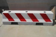Automezzi a barriera dell'area mercatale: scattano le misure antiterrorismo