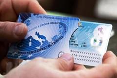 Addio alla carta d'identità tradizionale: ora sarà soltanto elettronica