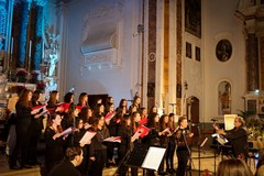 """Domani il concerto """"Cantando sotto le Stelle"""" dedicato alle 23 vittime della Andria-Corato"""