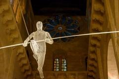 Funambolo in Cattedrale, la Sovrintendenza tira le orecchie a chi l'ha fatto installare