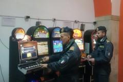 Gioco d'azzardo e scommesse clandestine: denunciate 37 persone