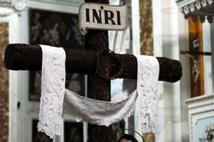 Giovedì Santo, lenzuolo bianco e una piccola luce per accompagnare Cristo al Sepolcro