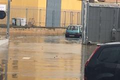 Pioggia incessante, strade allagate