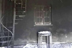 Le immagini della casa di Chieco incendiata, l'Anci esprime solidarietà