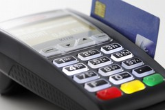 Pagamenti con le carte, Fiva Confcommercio: «Solo disagi per gli ambulanti»