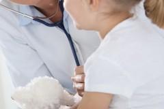 I pediatri: «Non portate i bimbi in studio, telefonateci per evitare contagi»