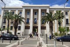 Legionella al Policlinico, interdetti tre dirigenti della struttura