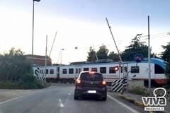 Passaggi a livello, Ferrotramviaria chiarisce: «Sono tutti attrezzati con sistemi di protezione»