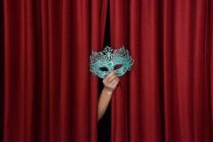 Teatro, due bandi per residenze artistiche per nuove generazioni e drammaturgia