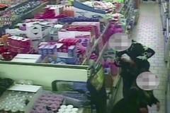 Furti e rapine nei supermercati, colpi anche a Ruvo. Tre arresti