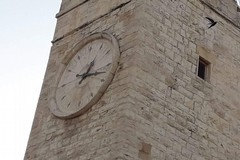 Orologio di piazza Garibaldi danneggiato. A breve il completo ripristino