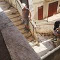 Al via i lavori di demolizione della scalinata di via De Amicis