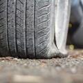 Strage di pneumatici nella notte, decine le gomme bucate