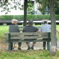 Covid, oltre il 30% dei nonni in povertà assoluta. «Urgono politiche socio-sanitarie»