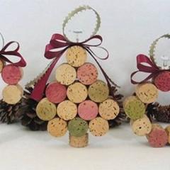 I tappi di sughero diventano decori natalizi