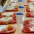 «La mensa scolastica funziona male»