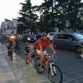 In bici per le vie della città