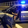 Perde conoscenza mentre guida: la Polizia lo salva