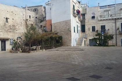 centro storico piazza le monache