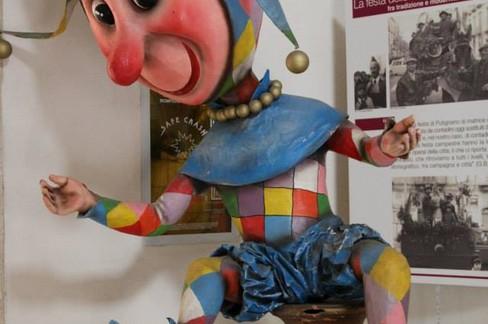 Farinella - Maschera tipica del Carnevale di Putignano