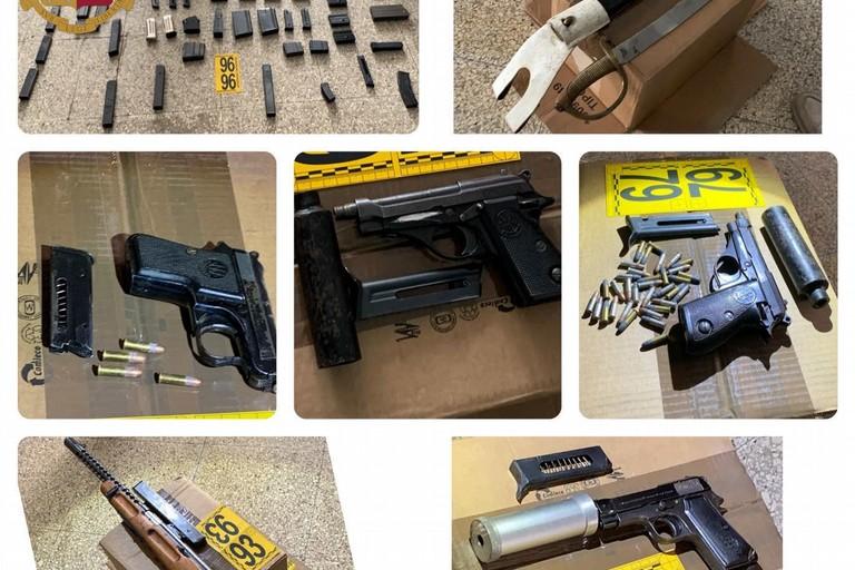 Le armi sequestrate dalla Polizia di Stato a Ruvo