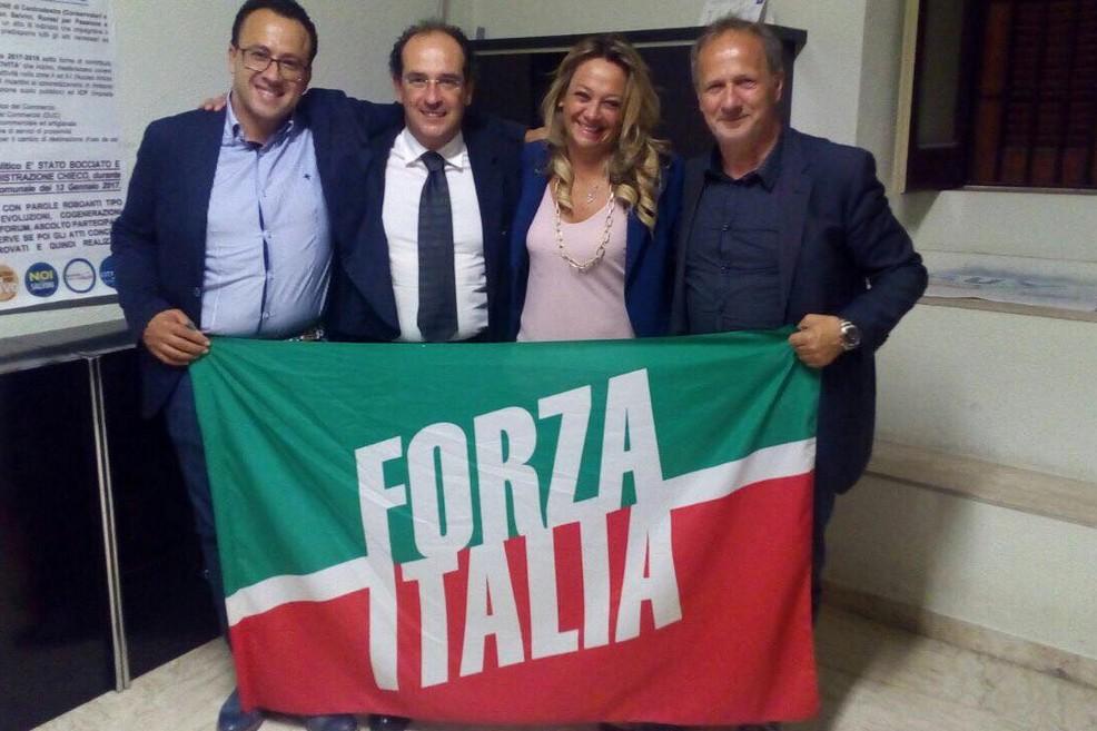I consiglieri comunali Rutigliani e Mazzone passano con Forza Italia
